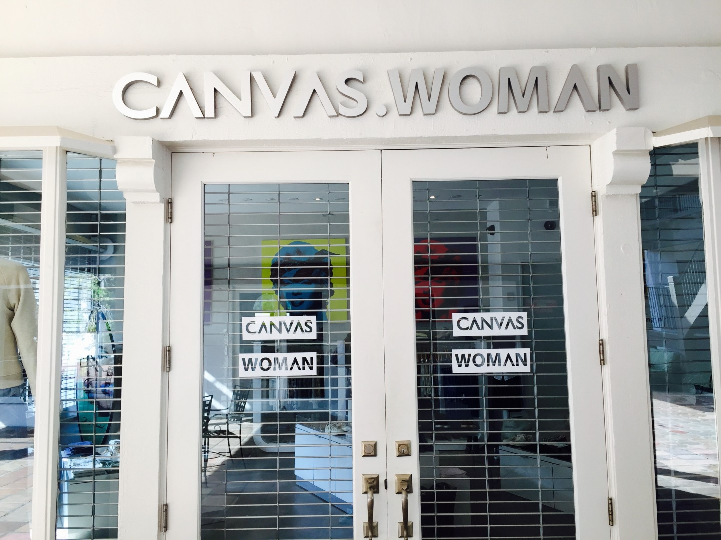 canvas-woman-malibu-store_all-things-malibu